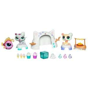Littlest Pet Shop Themed Play Pack   Winter Ice Capades Toys & Games