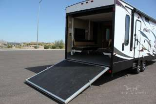 2012 WOLF PACK VENGEANCE 300 SINGLE SLIDE TOY HAULER BRAND NEW in RVs