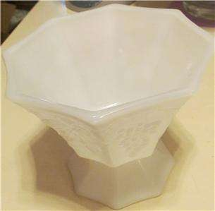 VINTAGE WHITE MILK GLASS CANDY DISH DIP SERVING FLUTED BOWL GRAPES