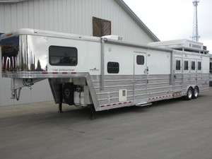 2008 Bloomer 4 Horse Trailer Slant 17 LQ Living Quarter w/ Bunk Beds